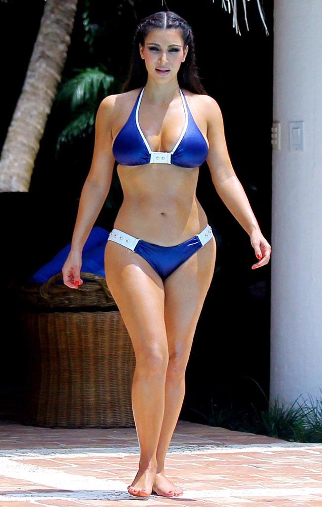 Kim Kardashian được bình chọn là sao nữ có thân hình đồng hồ cát gợi cảm hàng đầu giới sao nữ.
