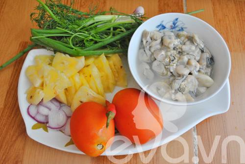 Ngon miệng hàu sữa nấu canh chua   Món Miền Trung