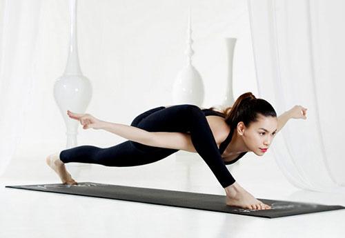 nhung tu the yoga gay choang vang cua sao viet - 6