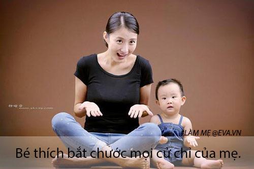 10 hanh dong nho nhung la dau hieu chung to be so sinh cuc yeu me - 5