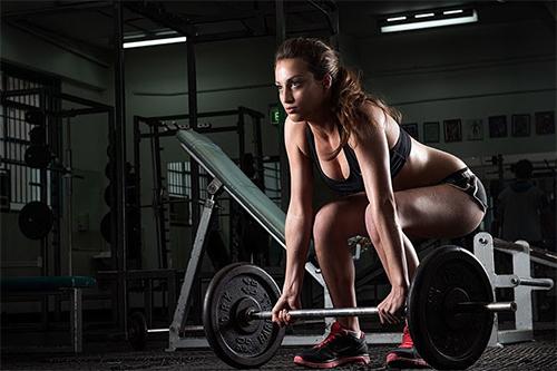 Bạn sẽ chăm chỉ squat hàng ngày nếu biết 4 lợi ích làm đẹp diệu kỳ của nó