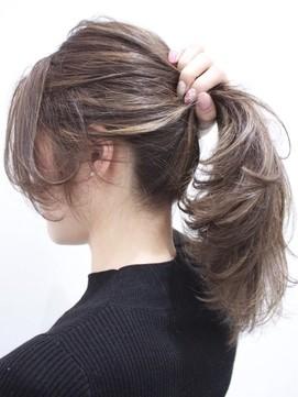 Nâng tầm nhan sắc ngoạn mục bằng hàng loạt biến thể của tóc đuôi ngựa - 3