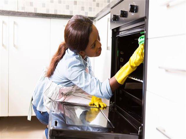 Làm sạch lò nướng bằng nguyên liệu có sẵn, đơn giản 5 phút bóng loáng - 4