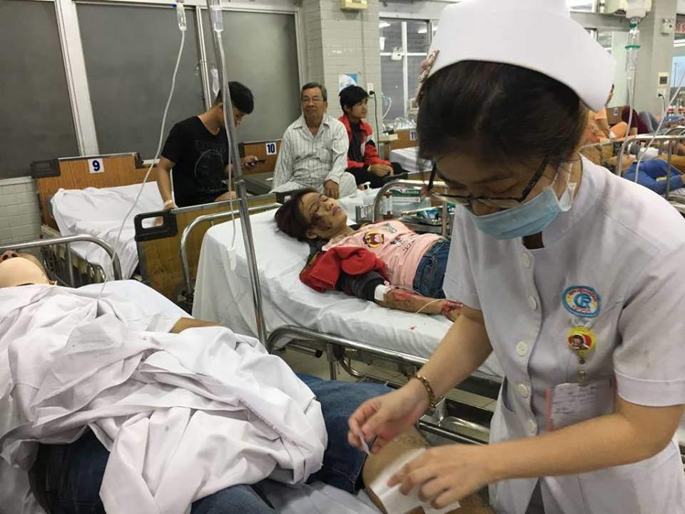 """vu tai nan tham khoc o ben luc-long an: """"co 2 nguoi bi xe container keo di mot doan dai"""" - 3"""