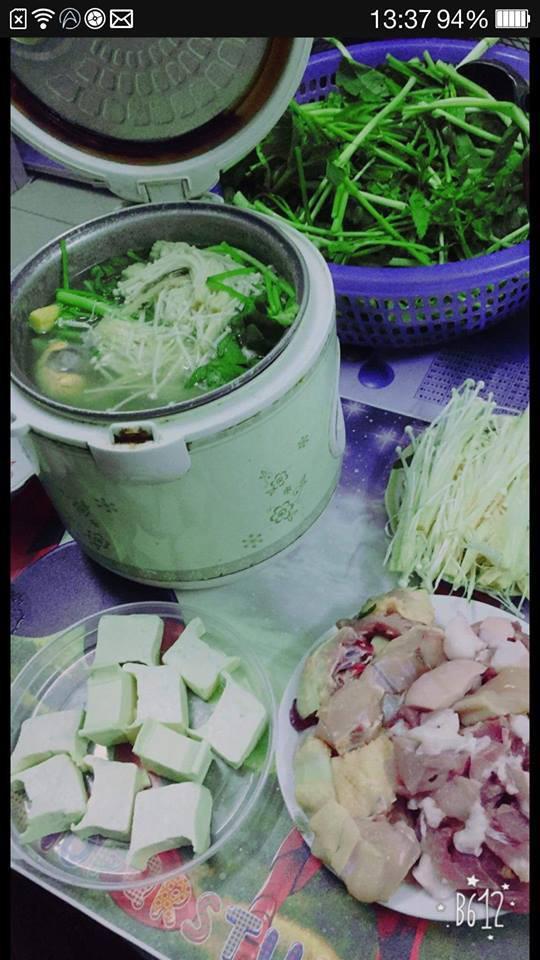 "troi lanh, sinh vien nuong tom bang quat suoi trong ky tuc, dan mang ""hoc lam gi, mau mo quan!"" - 7"
