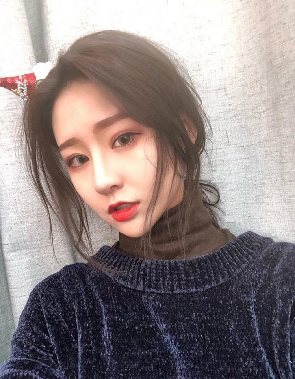 "mot giay lo tay tat filter ""song ao"", hotgirl trieu follow de lo nhan sac xau giat minh - 3"