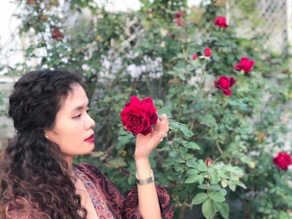 Xiêu lòng trước sân thượng rực rỡ hoa hồng của bà mẹ ở Hà Nội - 11