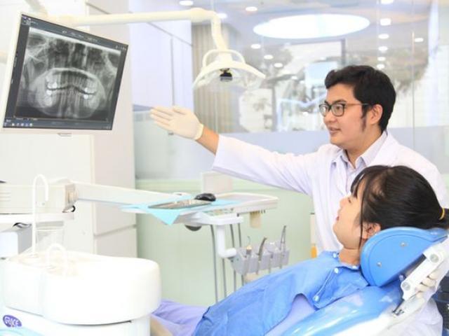 Đột nhiên rụng răng, phải nhổ cả hàm trên vì quên một việc khi vệ sinh răng nhiều người mắc
