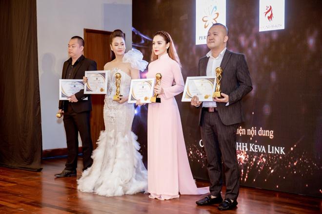 """ceo queenie group vinh du nhan giai thuong """"doanh nhan xuat sac chau a – thai binh duong 2018"""" - 4"""