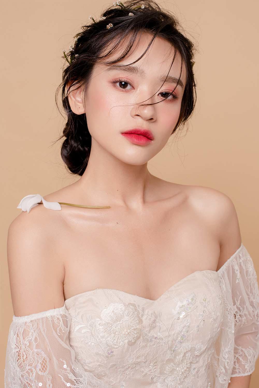 nam 2019, khang dinh trang diem trong suot luon la xu huong duoc cac co dau yeu thich - 11