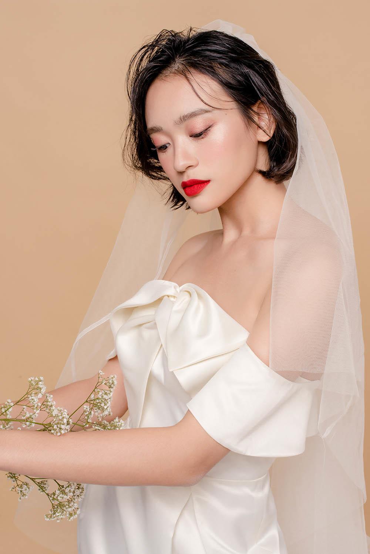 nam 2019, khang dinh trang diem trong suot luon la xu huong duoc cac co dau yeu thich - 14
