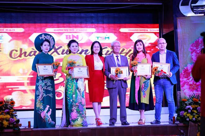 thuong hieu thoi trang ruby midu dong hanh cung sieu nhi tranh tai 2019 - 6