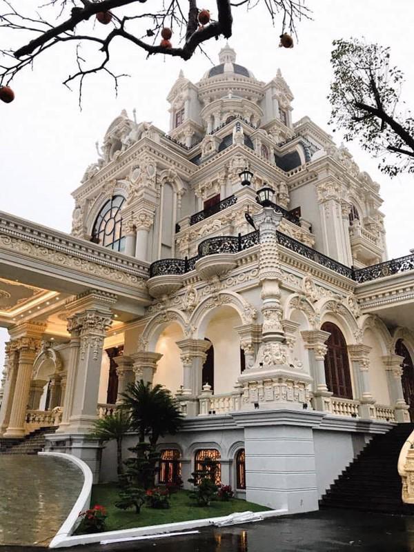 Đám cưới được bố vợ tặng 200 cây vàng: Choáng ngợp cảnh tượng bên trong lâu đài nhà cô dâu - 3