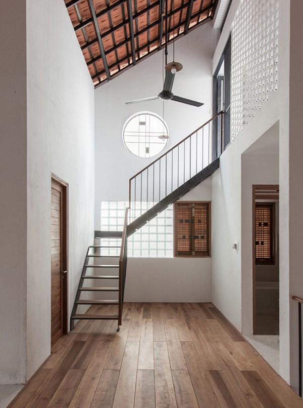 Biệt thự mái ngói ở TP.HCM gợi ý kiến trúc mới mẻ cho những căn nhà phố - 11