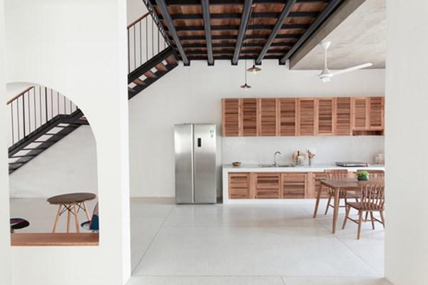Biệt thự mái ngói ở TP.HCM gợi ý kiến trúc mới mẻ cho những căn nhà phố - 16