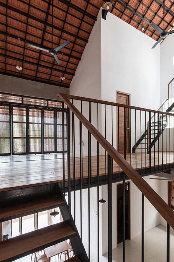 Biệt thự mái ngói ở TP.HCM gợi ý kiến trúc mới mẻ cho những căn nhà phố - 17