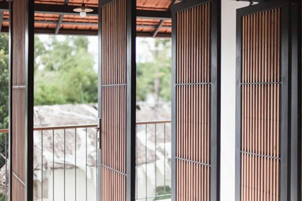 Biệt thự mái ngói ở TP.HCM gợi ý kiến trúc mới mẻ cho những căn nhà phố - 4