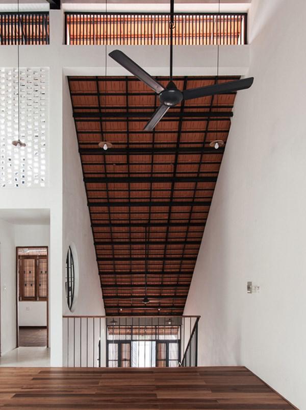 Biệt thự mái ngói ở TP.HCM gợi ý kiến trúc mới mẻ cho những căn nhà phố - 8