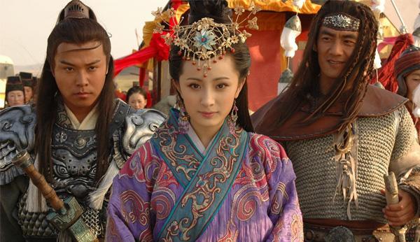 hong nhan bac menh: vuong chieu quan tham chi phai cam chiu lam vo cua... con chong - 2
