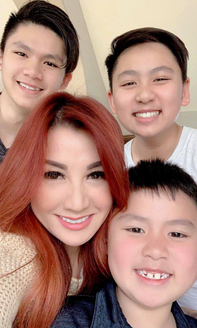sao viet 24h: le phuong co thai, giao het cho chong kem 7 tuoi nghien cuu viec bau bi - 4