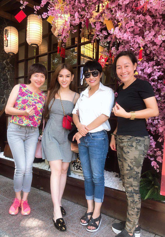 sao viet 24h: le phuong co thai, giao het cho chong kem 7 tuoi nghien cuu viec bau bi - 12