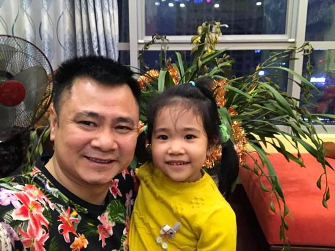 sao viet 24h: le phuong co thai, giao het cho chong kem 7 tuoi nghien cuu viec bau bi - 8