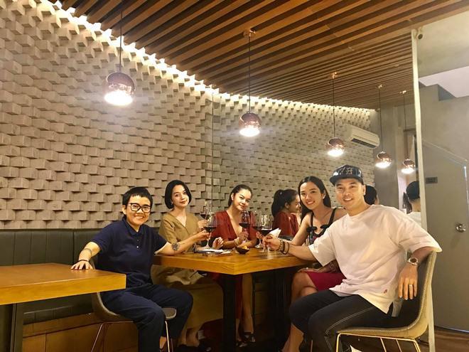 sao viet 24h: le phuong co thai, giao het cho chong kem 7 tuoi nghien cuu viec bau bi - 13