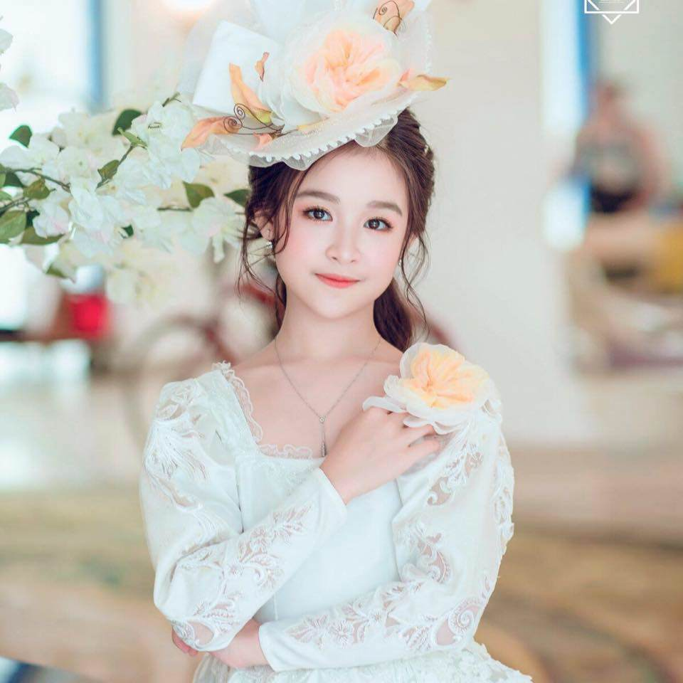 "do sac hoa hau tieu vy, be gai mien tay khien dan mang: ""khong phai my nhan thuong dau!"" - 8"