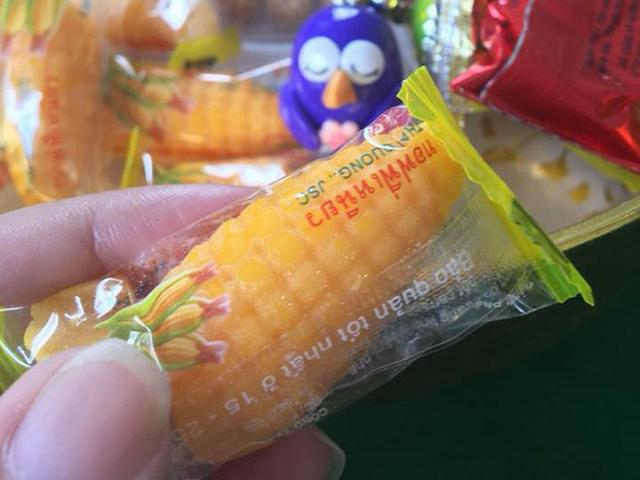 Cận Tết, dân mạng Việt rần rần khoe ảnh món ăn huyền thoại: Thấy kẹo bắp là… thấy Tết