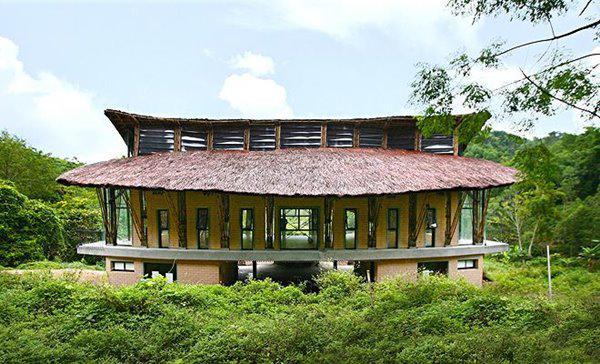 Ngôi nhà ở Sơn La có thiết kế sáng tạo được báo Tây khen hết lời - 2