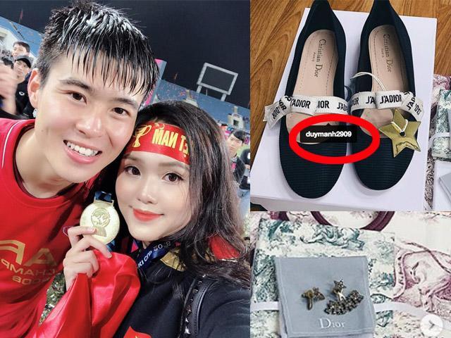 Mua đồ Tết đắt tiền cho bạn gái, Duy Mạnh bị nói: nhà nghèo mà đua đòi quen gái giàu?