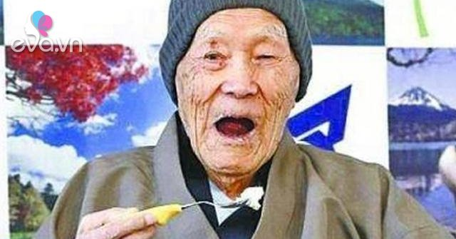 Người đàn ông sống lâu nhất thế giới mất ở tuổi 113, bí quyết sống thọ nằm ở 5 điểm