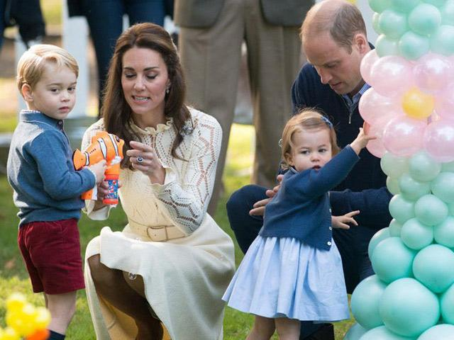 Phá vỡ quy tắc Hoàng gia nhưng vợ chồng Hoàng tử William luôn được ca ngợi khi dạy con