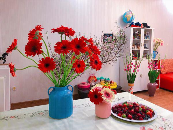 Mẹ Hà Nội chỉ cách cắm hoa tươi suốt 9 ngày nghỉ Tết, bông nào bông nấy đẹp amp;#39;bung lụaamp;#39; - 7