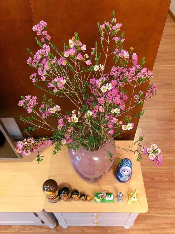Mẹ Hà Nội chỉ cách cắm hoa tươi suốt 9 ngày nghỉ Tết, bông nào bông nấy đẹp amp;#39;bung lụaamp;#39; - 8