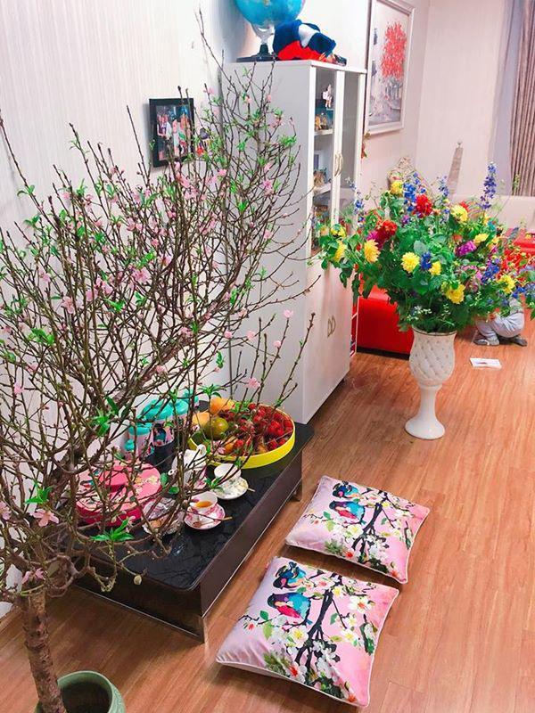 Mẹ Hà Nội chỉ cách cắm hoa tươi suốt 9 ngày nghỉ Tết, bông nào bông nấy đẹp amp;#39;bung lụaamp;#39; - 4