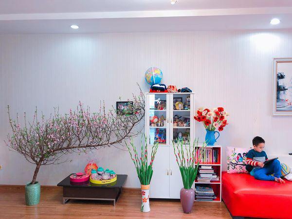 Mẹ Hà Nội chỉ cách cắm hoa tươi suốt 9 ngày nghỉ Tết, bông nào bông nấy đẹp amp;#39;bung lụaamp;#39; - 2