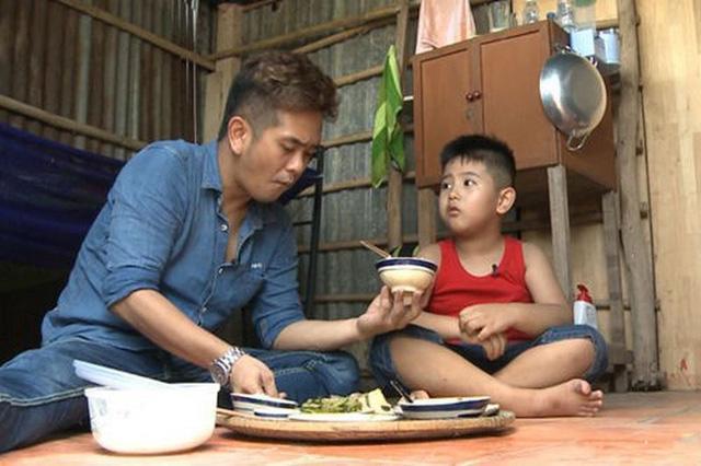 """cuoc doi long dong cua cau be tuoi hoi tung gay an tuong trong phim """"dat phuong nam"""" - 3"""
