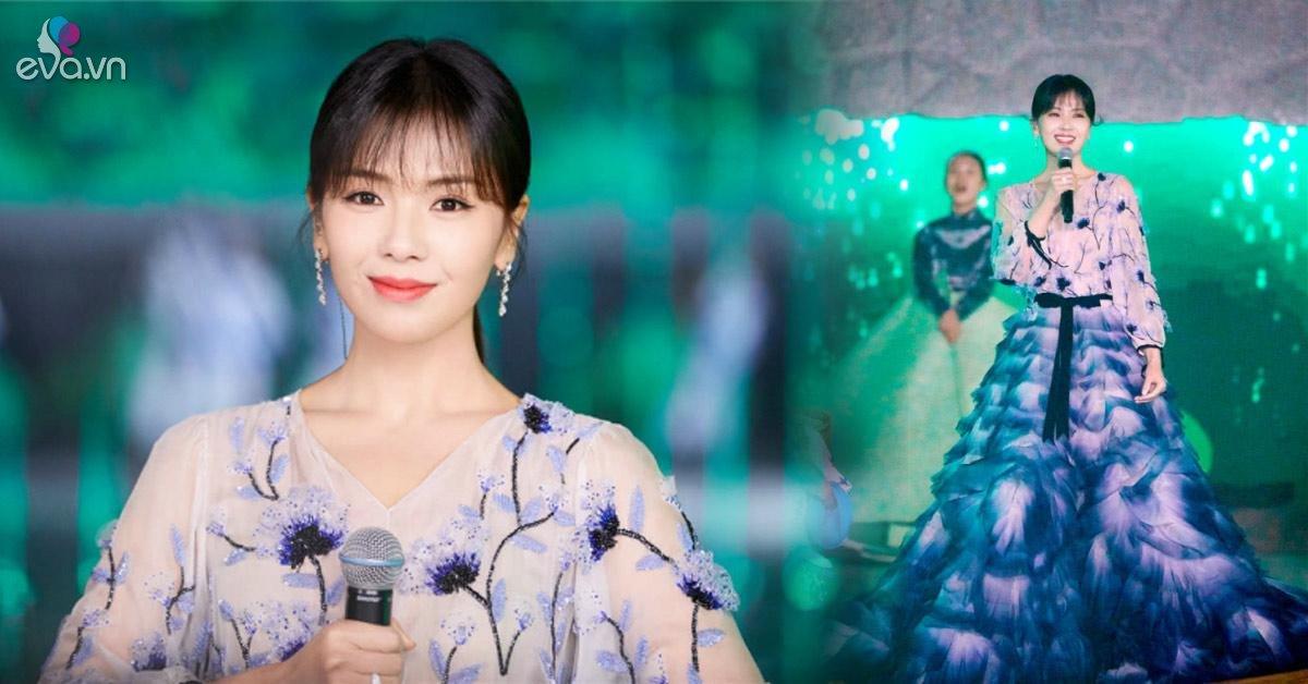 """U50, """"A Châu"""" Lưu Đào vẫn khiến cả hội trường vỡ òa khi tái xuất trên sân khấu chào xuân"""