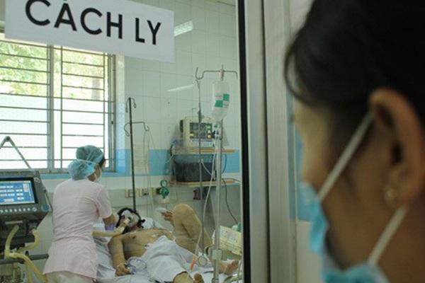 Từ hai trường hợp nguy kịch khi mắc cúm, chuyên gia cảnh báo các biểu hiện cần đến viện ngay