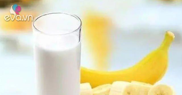 Không nên uống sữa, ăn chuối, uống trà… khi bụng đói? Sự thật đằng sau khiến nhiều người ngỡ ngàng