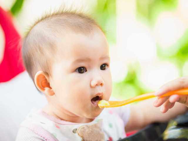Bé nên ăn gì sau khi cai sữa mẹ