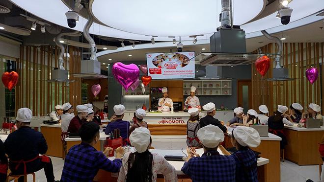 Cùng nhau vào bếp – nêm gia vị mới mẻ cho tình yêu - 1