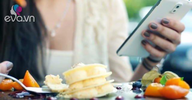 Nghiên cứu chứng minh vừa ăn vừa chơi điện thoại làm tăng nguy cơ béo phì
