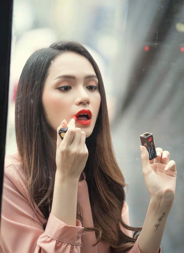 giai ma cay son huong giang idol su dung trong mv moi cua havyco lipstick - 1
