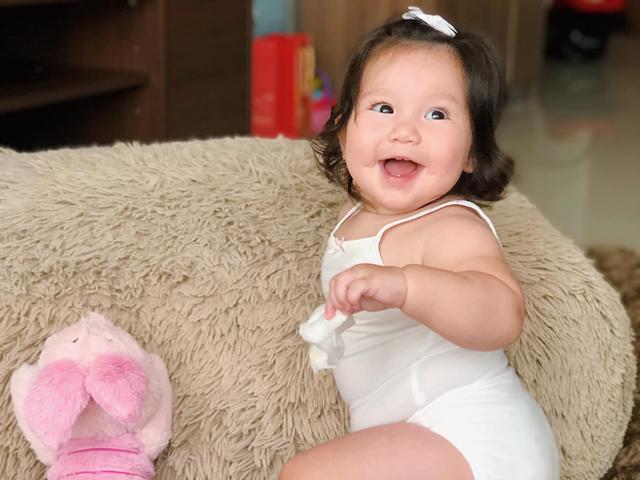 Sao Việt 24h: Hà Anh hãnh diện khi con gái mũm mĩm trở thành em bé nổi tiếng thế giới