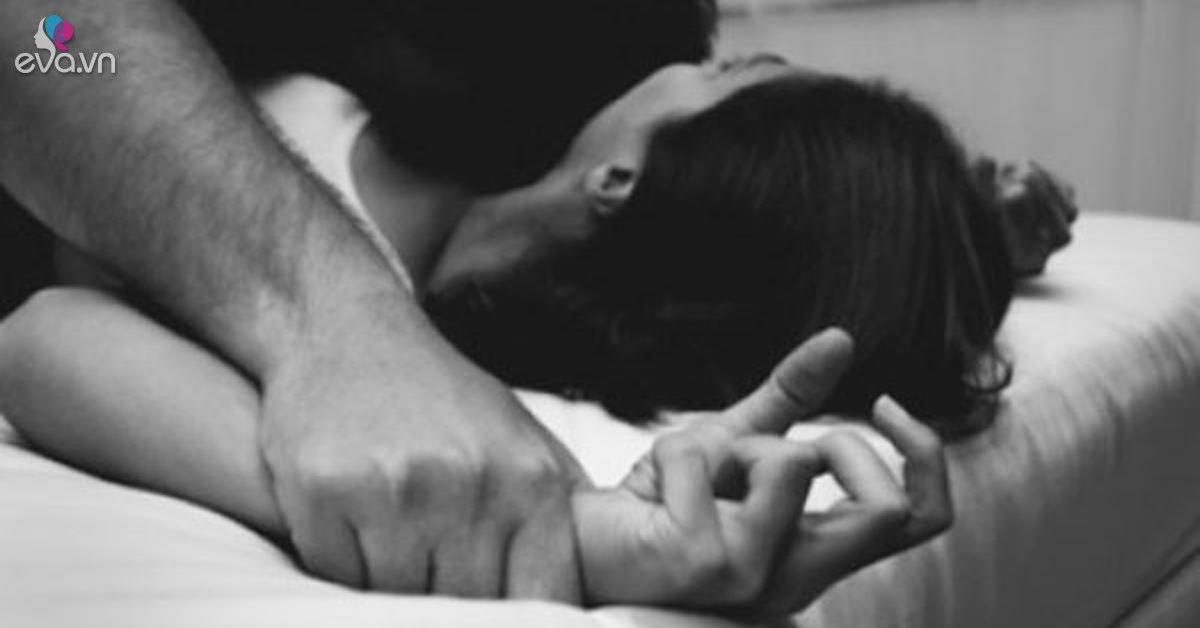 """Đang """"vui vẻ"""" với bạn trai, người phụ nữ bỗng cứng đờ người, đi khám mới ngỡ ngàng"""