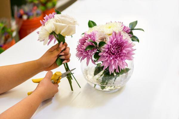 cach cam hoa de ban dep long lay ai cung khen kheo tay - 1
