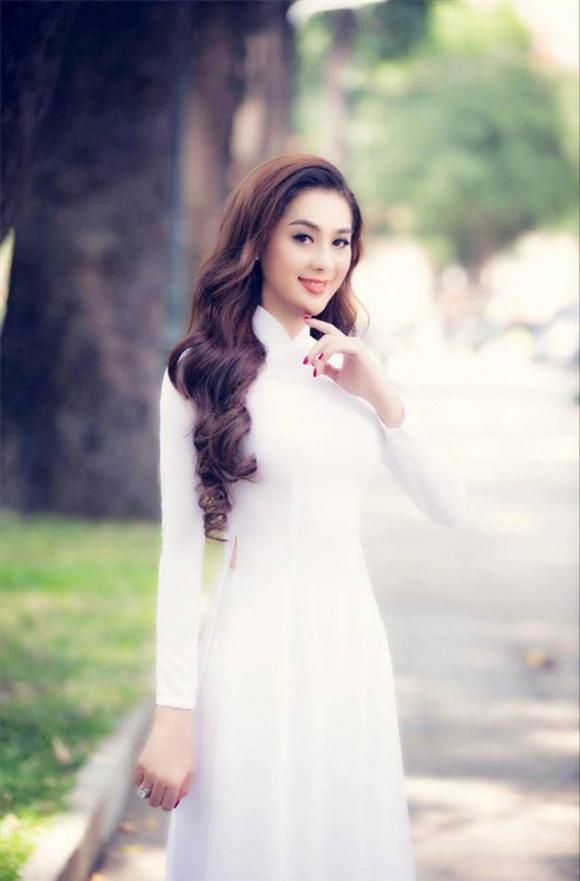 huong giang lan luot lam khanh chi va nhat ha khi cung dien ao dai trang tinh khoi - 5
