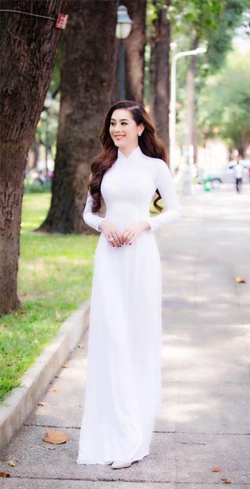 huong giang lan luot lam khanh chi va nhat ha khi cung dien ao dai trang tinh khoi - 6